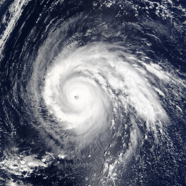 Super_Typhoon_Higos_2002